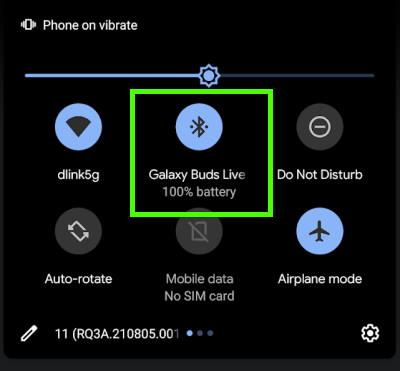 Galaxy Buds Live battery level in Android quick settings.